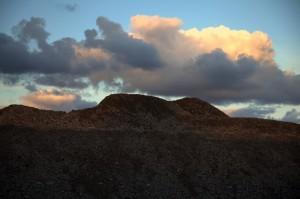 Annimari Taivalsaari - Tulivuoren juurella